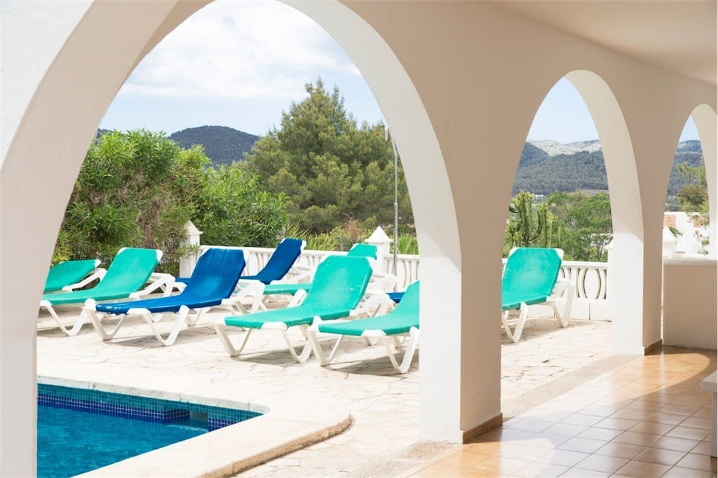 Morrocan style arches leading to pool and terrace