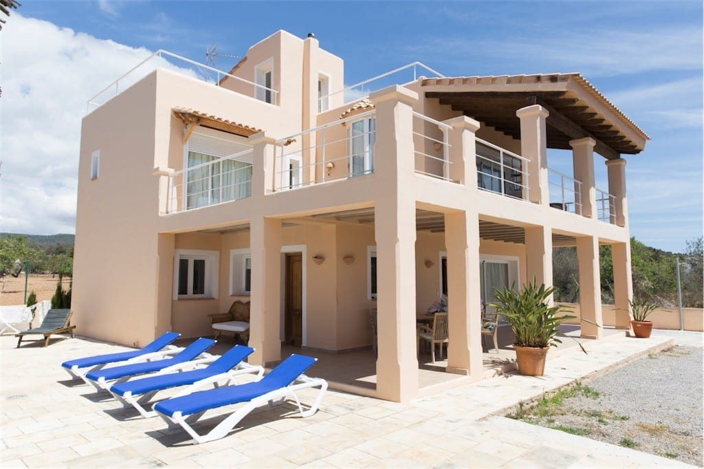 Large 4 bedroom villa in Sa Carroca