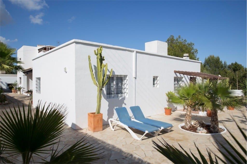 side garden terrace casa carolle ibiza