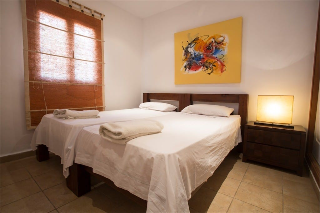 Contemporary twin bedroom at Villa Tom
