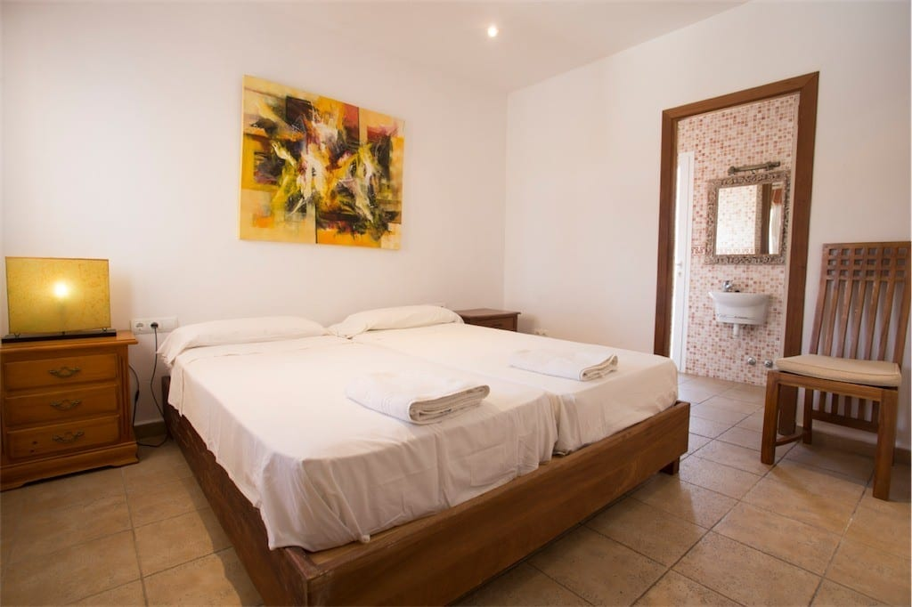 Large ensuite bedroom at Villa Tom