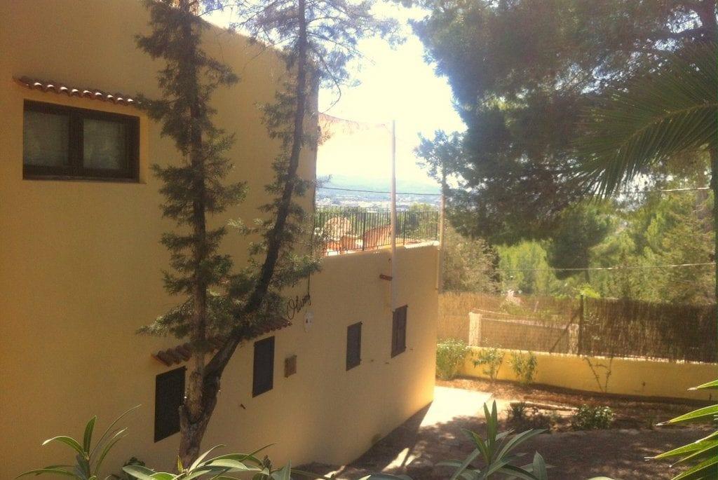 Side view of Villa Los Olivos