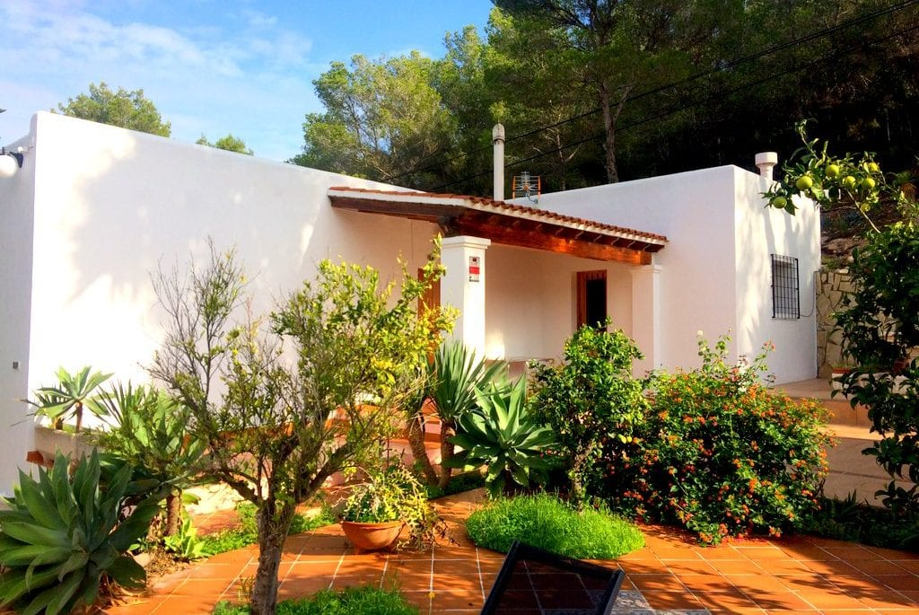 Cheap villa to rent in Ibiza
