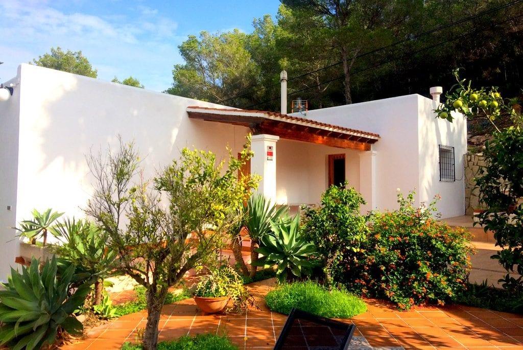 Cheap villa to rent in Ibiza