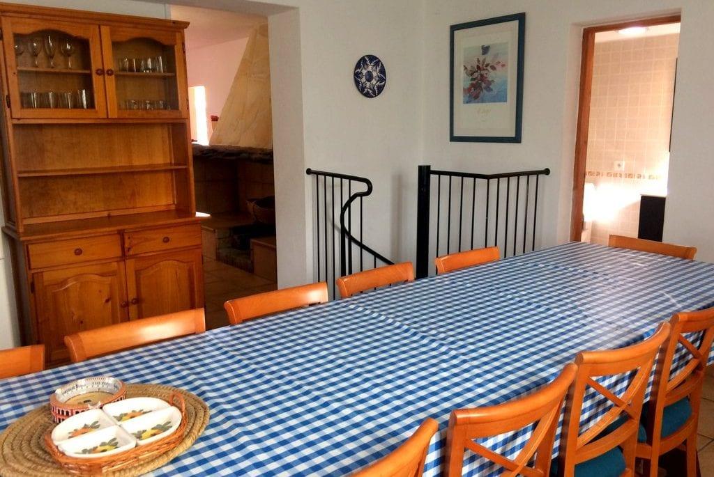 Kitchen table at Villa Alexa
