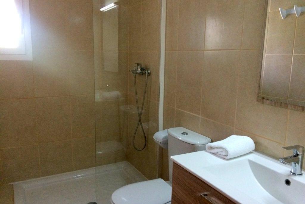 Modern bathroom at Villa Alexa