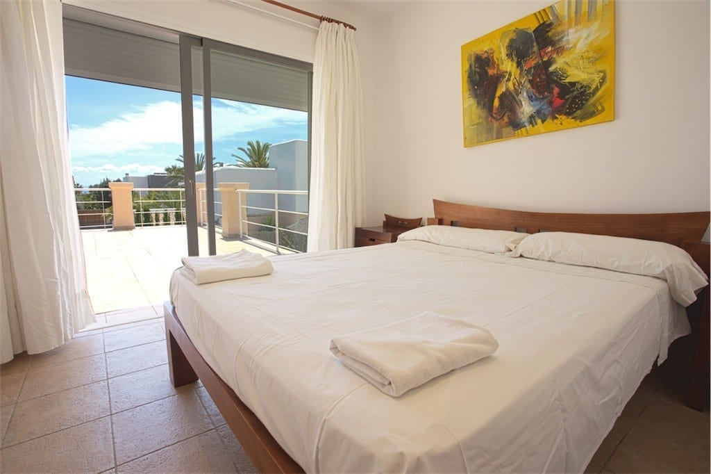 Large double bedroom and terrace at Villa Tom