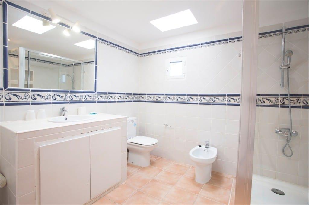 family bathroom at casa carolle ibiza