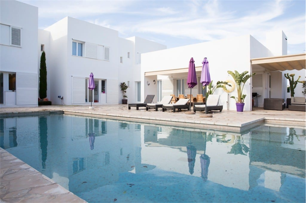 Villa with large pool and terraces