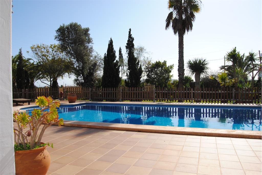 Villa with pool near Playa den Bossa.