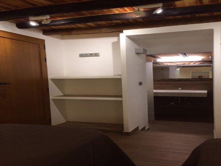 New twin bedroom and en suite shower room