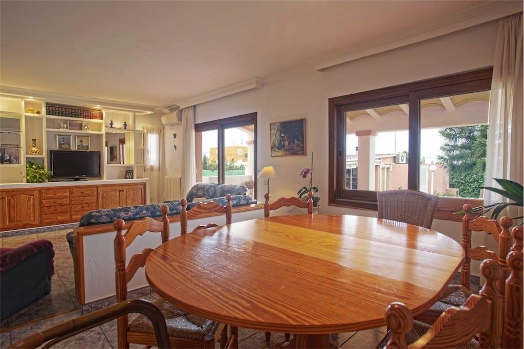 Open plan lounge and dining area at Villa Saroca