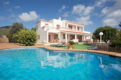 villa with pool near playa den bossa