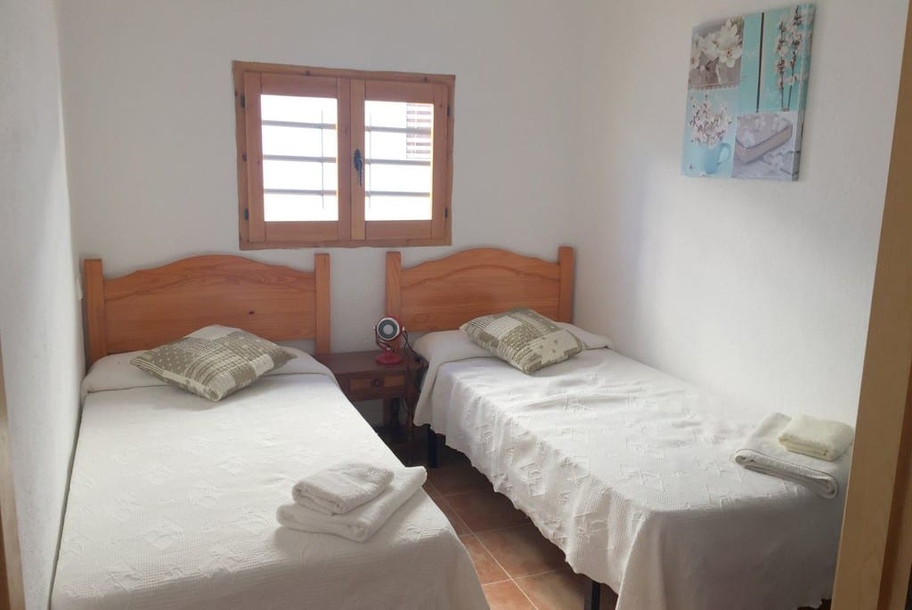 twin bedroom casa caleta