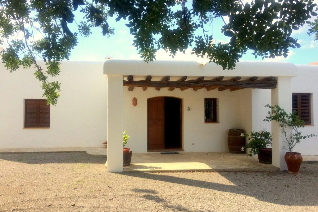 Charming Ibiza villa rental near San Rafel
