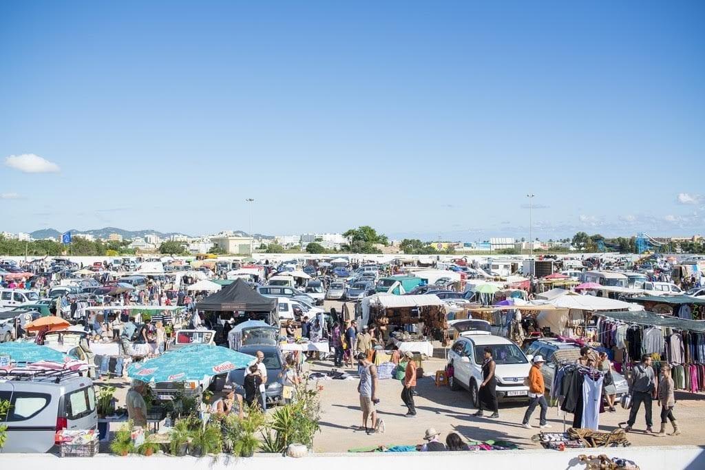 San Jordi market