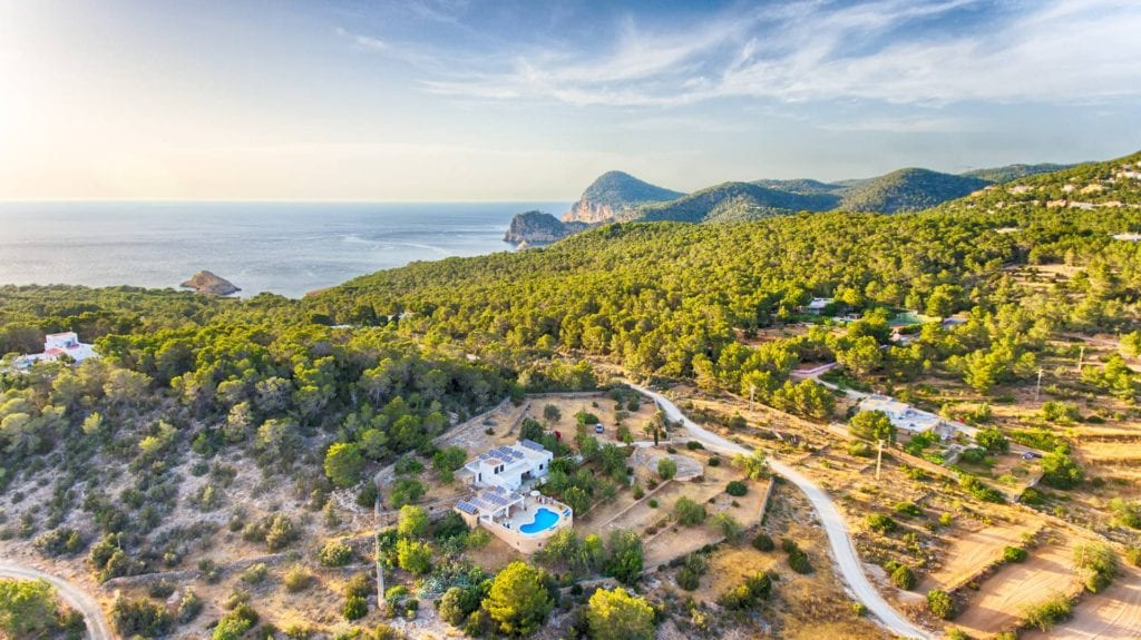Cheap villa rental in Ibiza - Tunicu