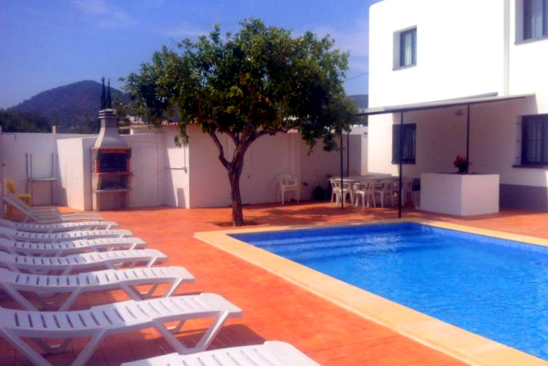 large villas to rent in ibiza