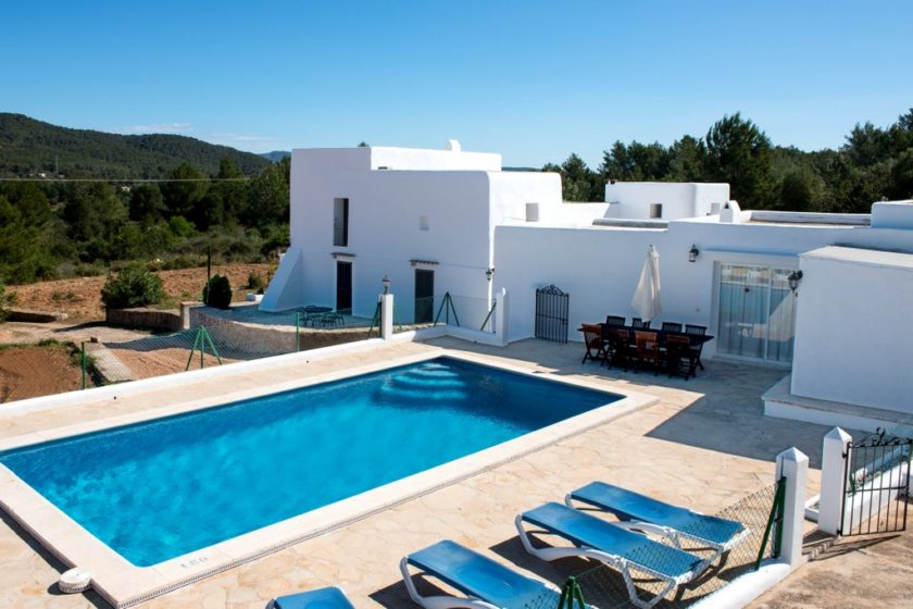 rent a cheap ibiza villa 2018 - Can Reiet
