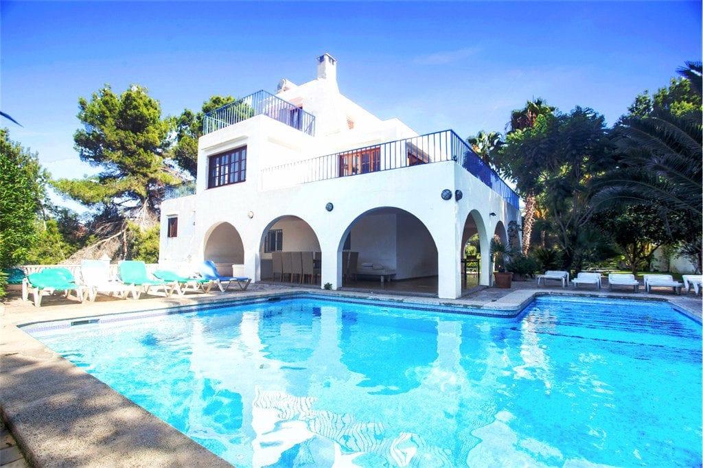 Ibiza summer villa discounts