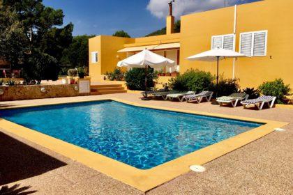 casa roig pool