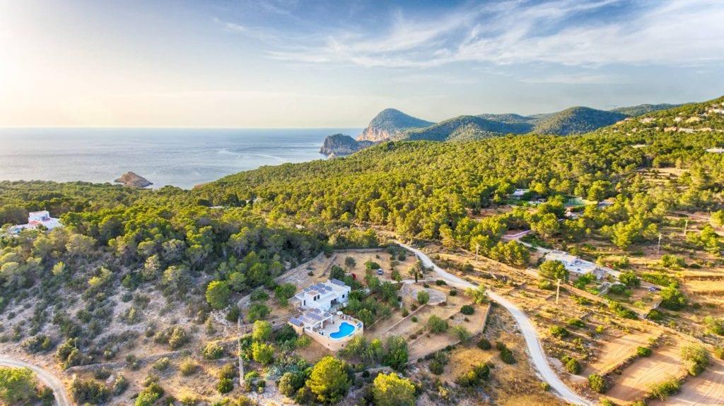 Cheap villa rental in Ibiza - Tunicu