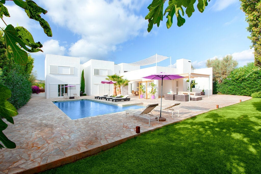 2019 Ibiza villa rentals now open